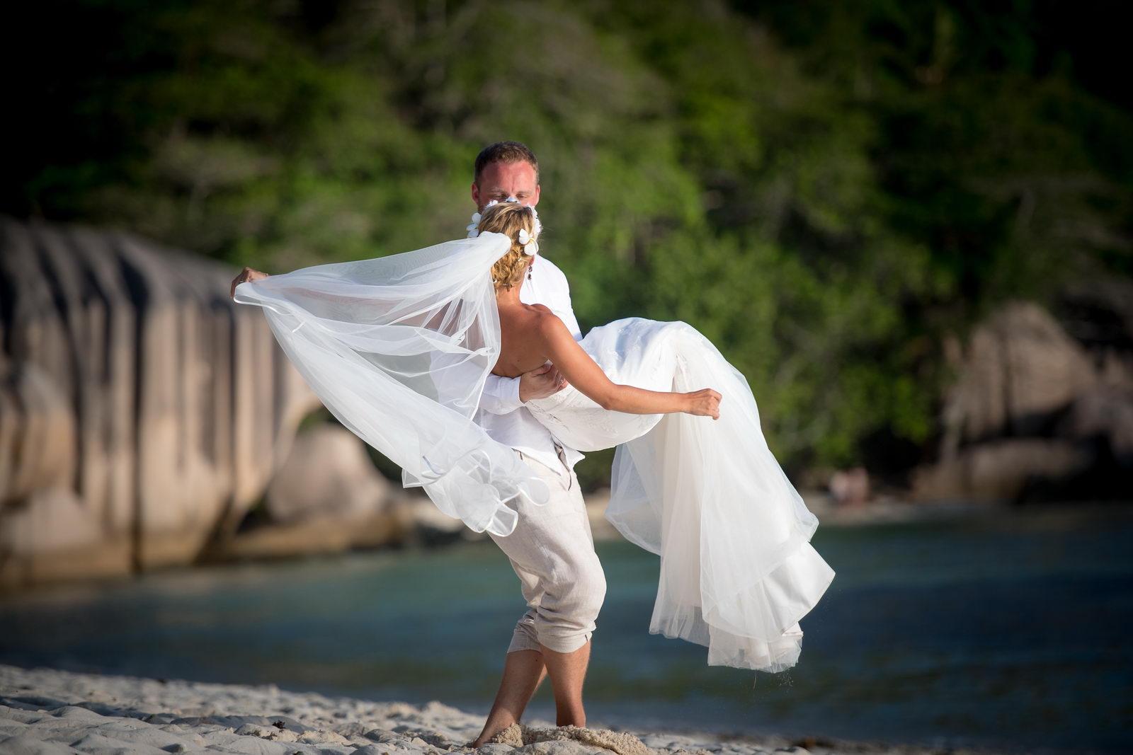 Traumhochzeit, Seychellen, La Digue, Hochzeit, Strandhochzeit, Anse Source d'Argent